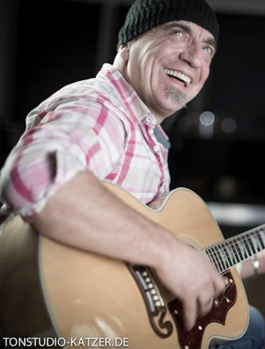 Gitarre Gesang Sängerin Band Salzburg